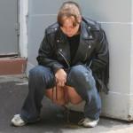 amateurgirls-heimlich-beim-pissen-fotorafiert-4