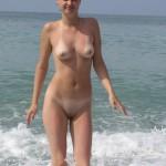 Nackt mit bikinistreifen