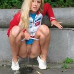 blondine-pisst-bilder-3